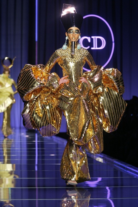 2004 Haute-Couture fashion show: Christian Dior - Paris